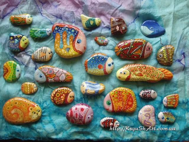 Рисунки морскими камешками