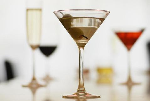 ...подвергнуть классификации все смешанные напитки, то...
