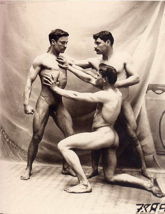старинные порно фотки голых парней