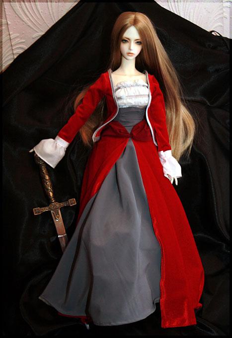 Аниме девочка в бальном платье.  Шерстяное платье белое пышное.