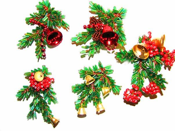 Магниты из бисера Рождественские ручной работы.